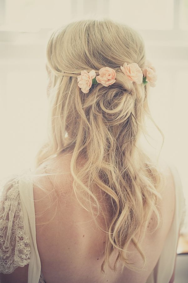 Bridal Hair Down With Flowers : Hair toppiks wedding hairstyle tips
