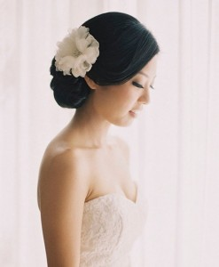 Bridal-Hair-Accessories-One-Large-Flower-in-Smooth-Updo