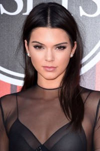 kendalljenner_glamour_23oct15_getty-b