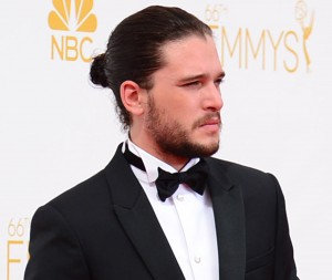 1409013780_kit-harrington-man-bun-emmy_2b