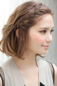 Asian-Short-Hairstyles-Side-Braid