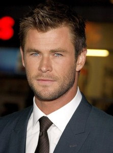 Chris-Hemsworth-Blackhat-Movie-Premiere-Los-Angeles-Red-Carpet-Fashion-Tom-Lorenzo-Site-TLO-3