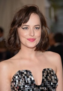 dakota-johnson-met-gala__iphone_640