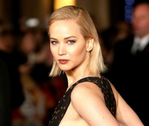 jennifer-lawrence-london-49978f80-8d84-4b7f-ac03-388cd25722b3