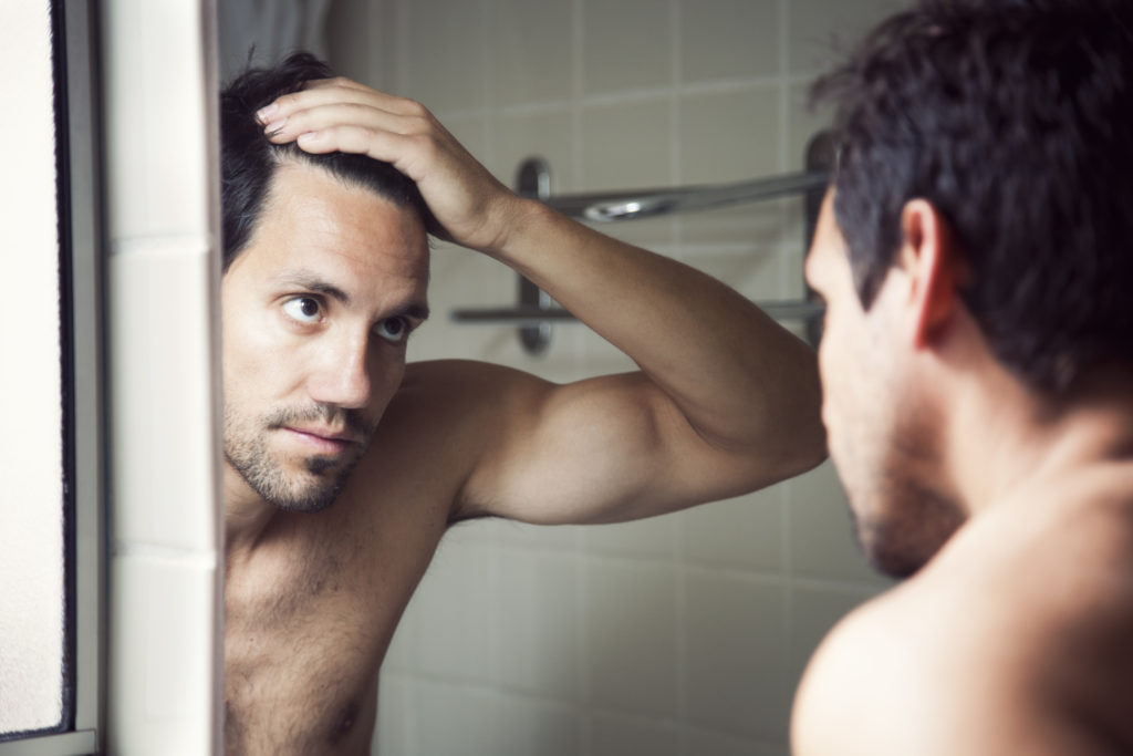 mirror-man-thinning-hair-DHT-hair-loss