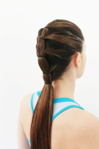 long-tiered-ponytail-brunette-woman-back-workout-best-gym-hairstyles-toppik-blog
