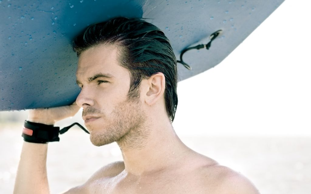 surfer man slicked back hair choosing maintaining widows peak hairstyles toppik hair blog