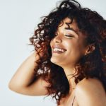 how to plop curly hair